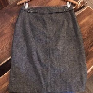 Dresses & Skirts - Beautiful Ann Taylor pencil skirt